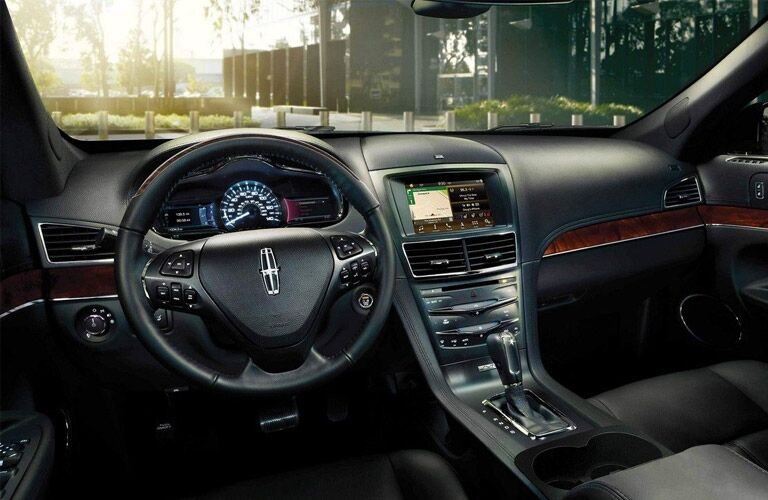 lincoln mkt interior, dash, steering wheel, black seats