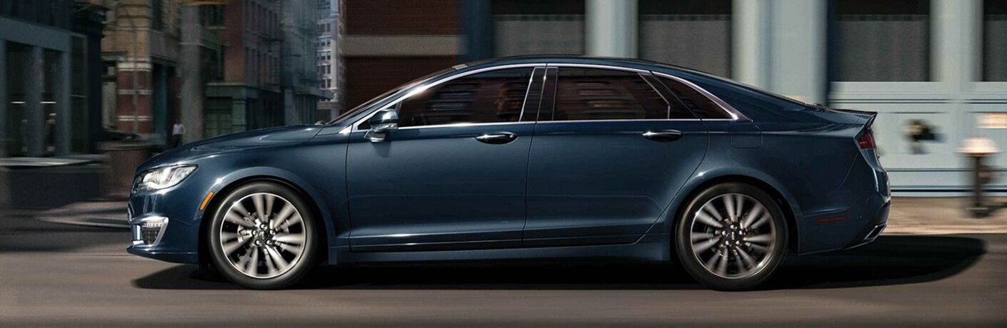 side view of blue 2019 lincoln mkz