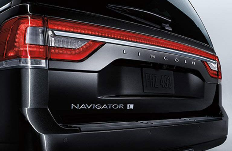 2017 Lincoln Navigator comes in extended wheelbase version