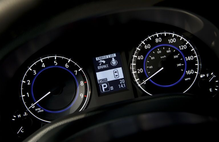 Information cluster of the 2013 INFINITI G-Series sedan