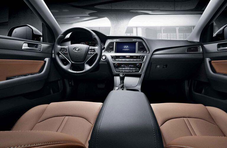 Driver's cockpit of the 2015 Hyundai Sonata