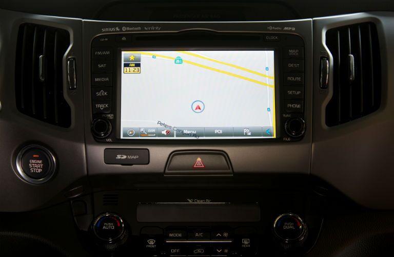 Color display screen of the 2015 Kia Sportage