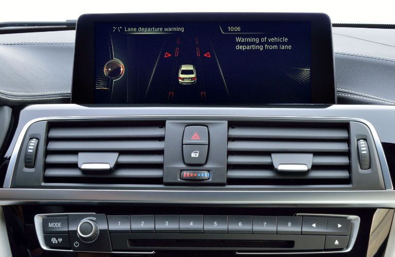 Touchscreen display of the 2015 BMW 3 Series