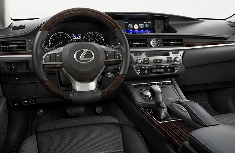 Driver's cockpit of the 2016 Lexus ES