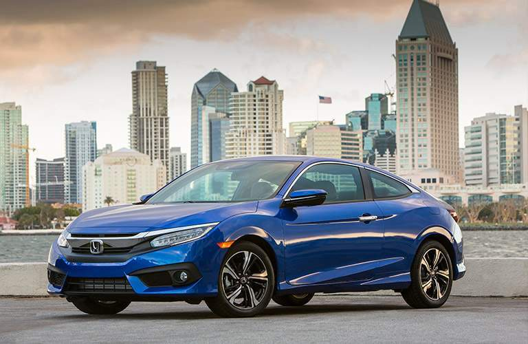 Exterior side vie of 2017 Honda Civic Coupe