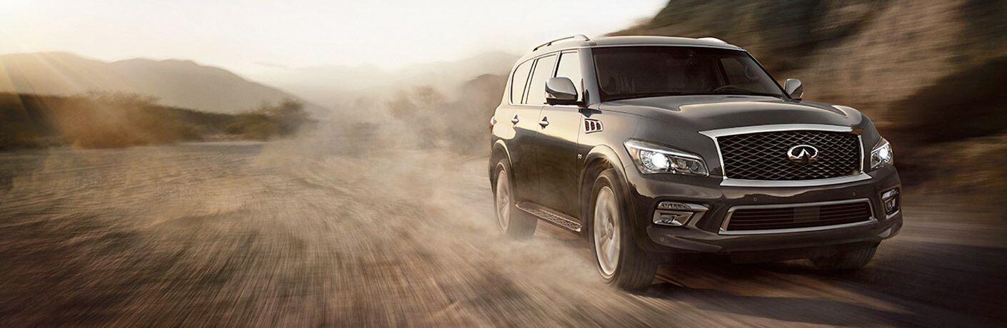 Front exterior view of a gray 2017 INFINITI QX80