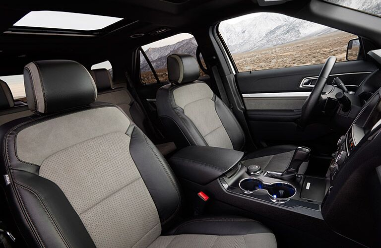 Side view of the front seats in the 2017 Ford Explorer