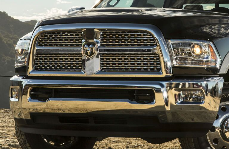 Closeup view of the grille and front fascia of the 2017 Ram 2500