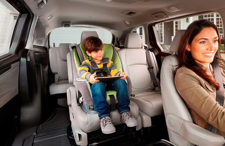 2018 Honda Odyssey magic seat 2nd row