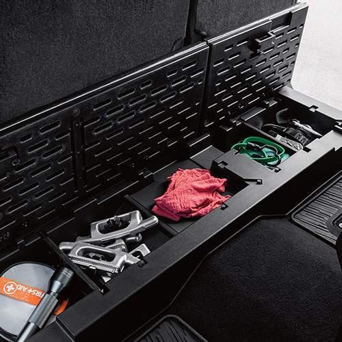 Titan XD loackable cargo seats