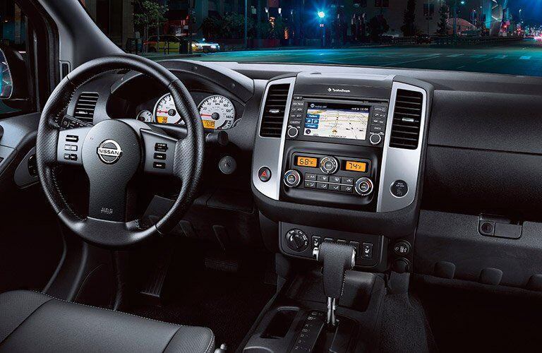 2017 Nissan Frontier dash infotainment center and steering wheel