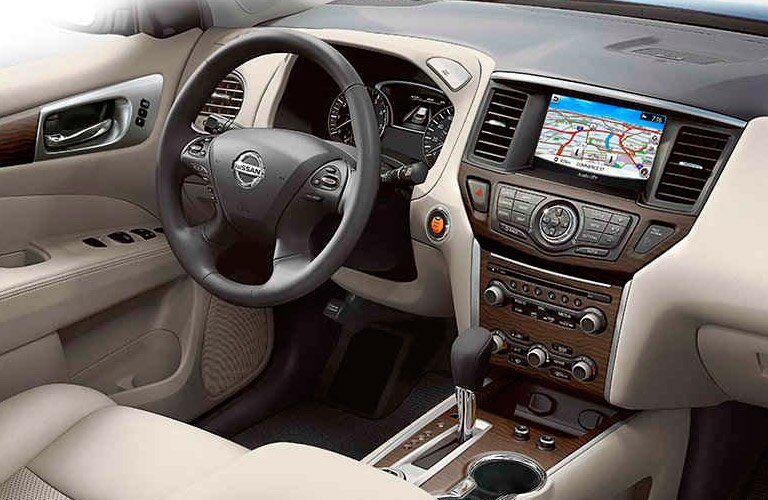 2017 Nissan Pathfinder steering wheel and dash