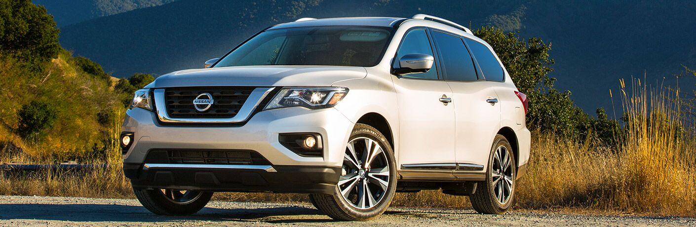 white 2018 Nissan Pathfinder