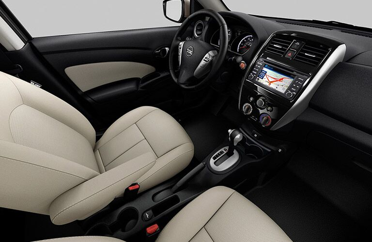 front seats, dash of nissan sentra