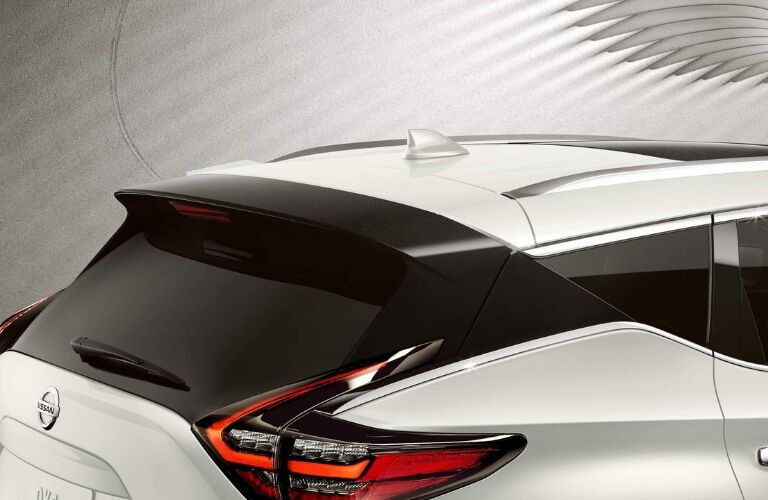 Exterior view of the rear roof of a white 2019 Nissan Murano