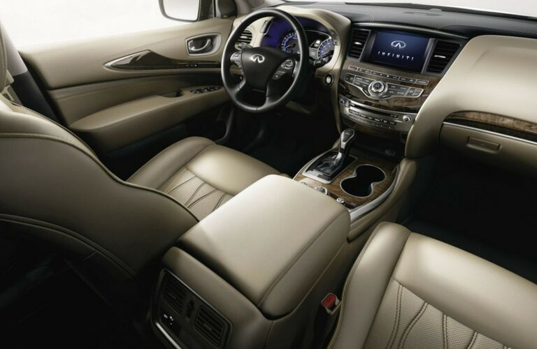 2019 INFINITI QX60 dash and wheel
