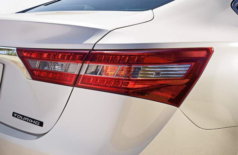 taillight on white 2018 Toyota Avalon