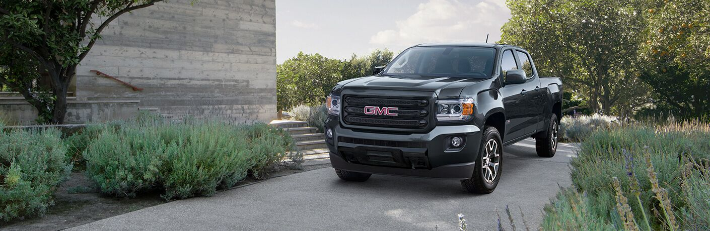 Front exterior view of a black 2019 GMC Canyon