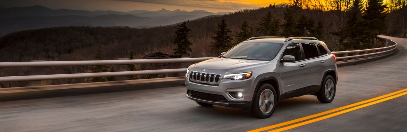 2020 Jeep Cherokee silver side view