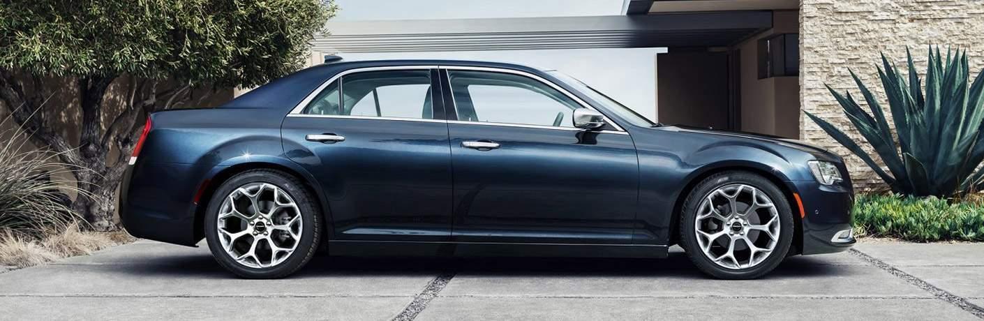 2018 Chrysler 300 side profile