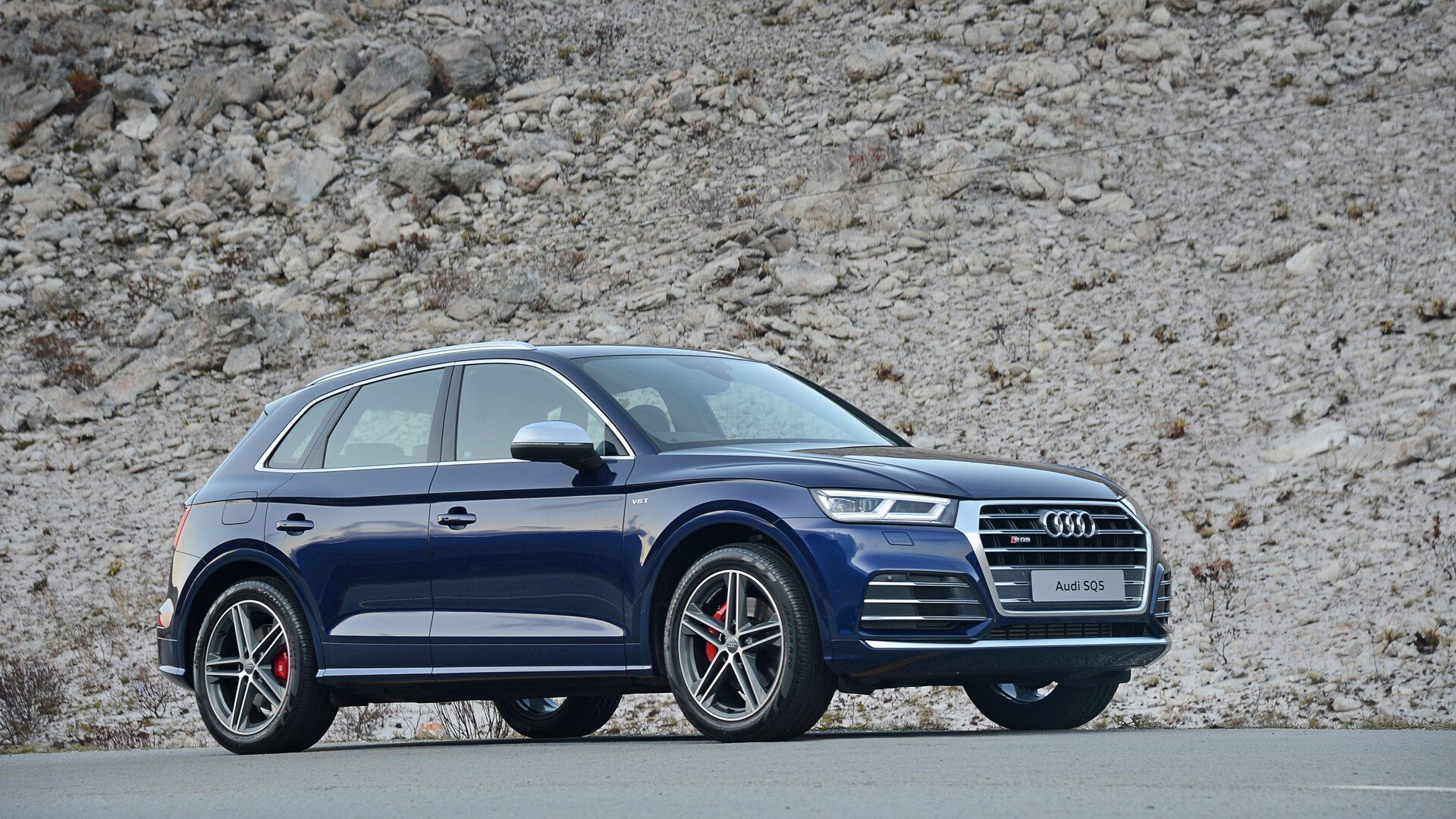 An aerial view of the New 2019 Audi SQ5, available in Windsor Ontario