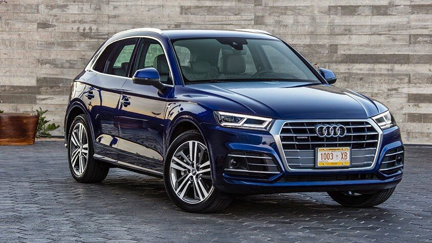 A side view of the New 2019 Q5 available in Windsor Ontario