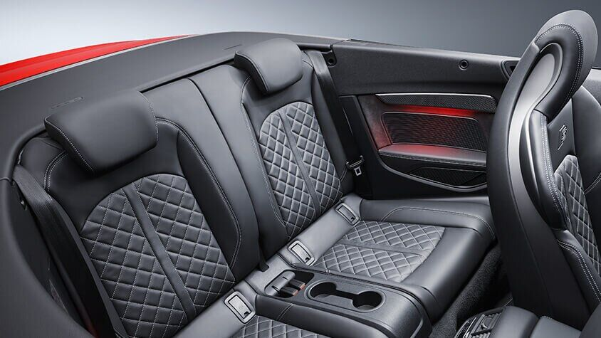The 2019 Audi S5 Cabriolet interior view