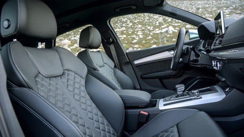 The 2019 Audi SQ5 interior view