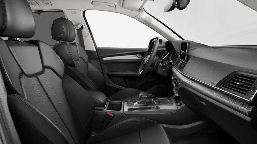 The 2019 Audi Q5 interior view