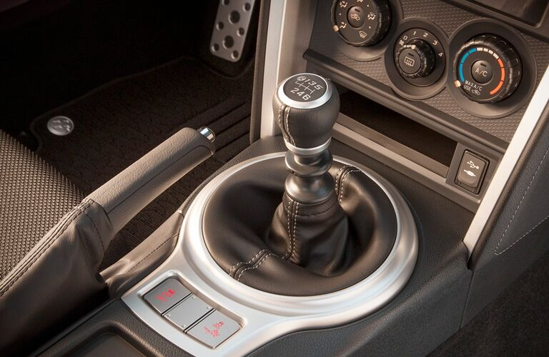 A close up photo of the shift level for the manual transmission in the 2018 Toyota 86.