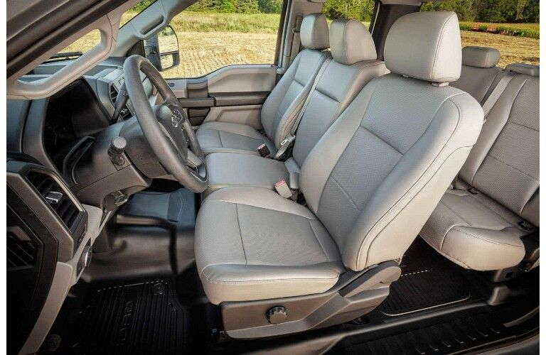 2018 Ford F-450 SuperDuty® interior through shot with white interior