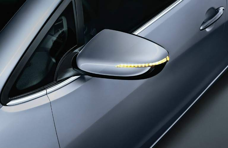 2018 Kia Forte left side mirror with LED turn signal