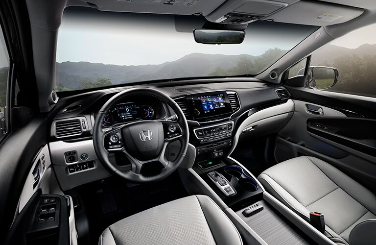 2019 Honda Pilot Elite steering wheel and dash