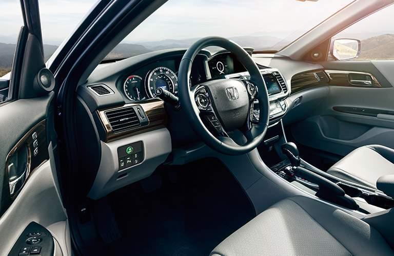 2017 Honda Accord vs 2017 Toyota Camry Interior