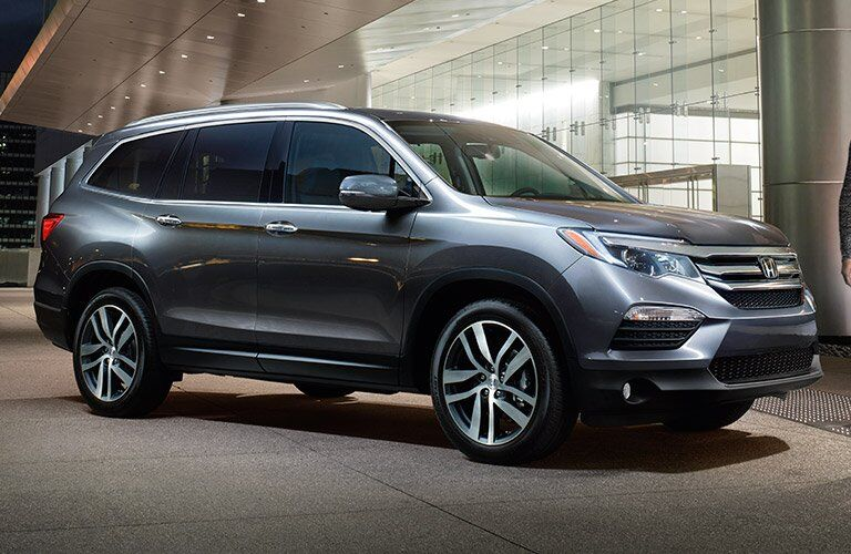 2017 Honda Pilot side view silver