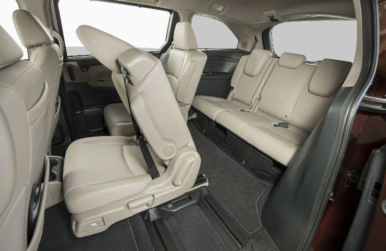 2019 Honda Odyssey Backseats in Beige