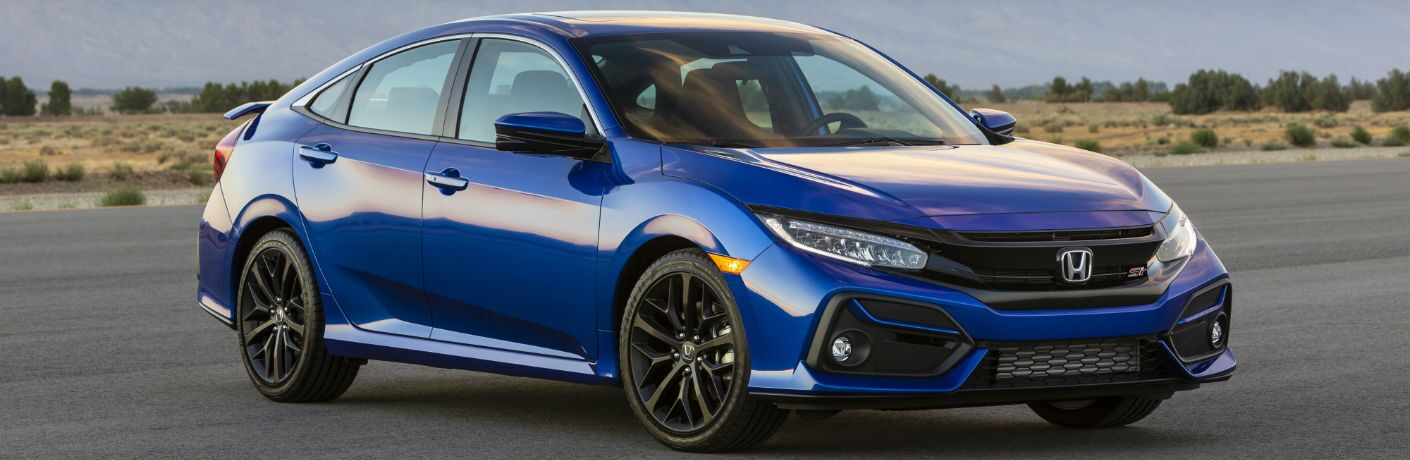 A front-right quarter photo of the 2020 Honda Civic Si.
