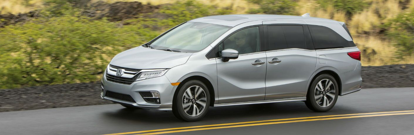 A left profile photo of the 2020 Honda Odyssey.