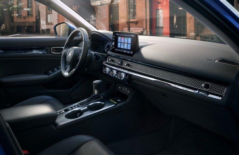 The dashboard in the 2022 Honda Civic.
