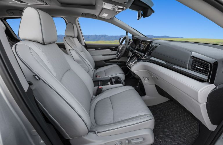 A photo of the front seats in the 2021 Honda Odyssey.