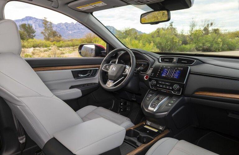 The driver's cockpit in the 2021 Honda CR-V Hybrid.