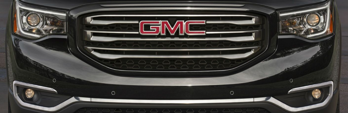 A photo of one of the grille designs used by the 2019 GMC Acadia.