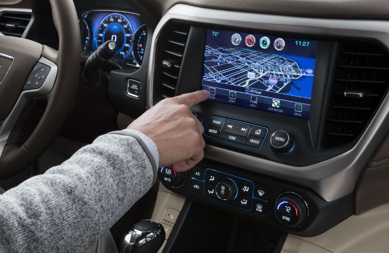 A photo of the infotainment system equipped in the 2018 GMC Acadia.