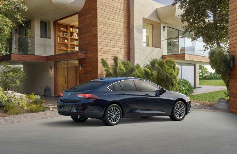 2018 Regal Sportback shares lines with sedan model