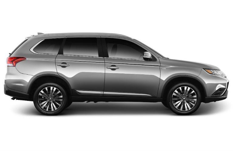 2019 Mitsubishi Outlander passenger side profile view
