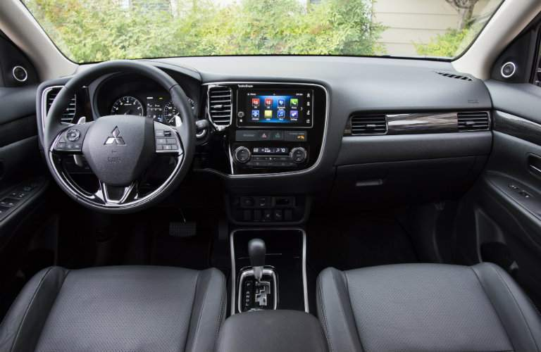 View of the front seats of the 2017 Mitsubishi Outlander