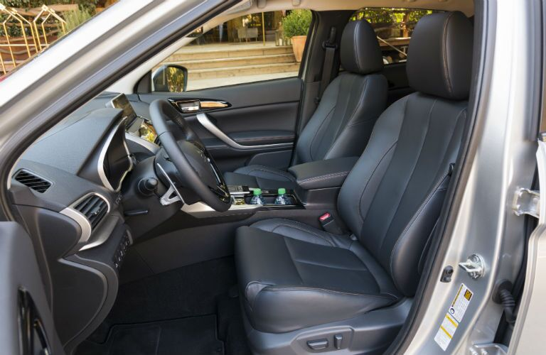 Side view of the 2018 Mitsubishi Eclipse Cross' front seats