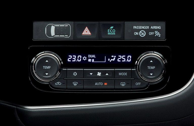 Temperature controls of the 2018 Mitsubishi Outlander PHEV