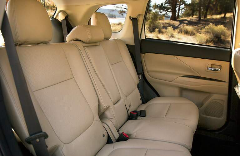 3rd row seats in the 2018 Mitsubishi Outlander