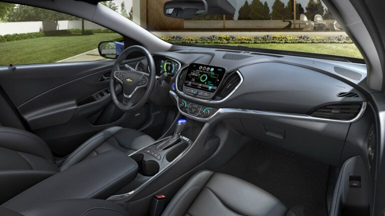Steering wheel and touch screen in the Chevy Volt